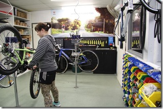 2009-06-26 Wolves Bike Den 451-800